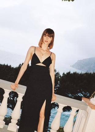 Платье из смесового льна с v-образным вырезом на груди