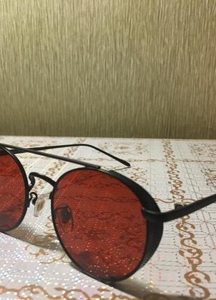 Очки солнцезащитные круглые красные