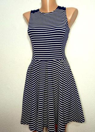 Платье фактурное с пышной юбкой и кружевной вставкой р с-м от f-f