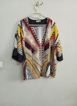 Разноцветная накидка кимоно с принтом