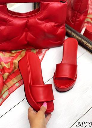 Женские кожаные красные шлёпанцы шлёпки сабо  на платформе