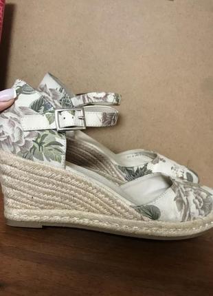 Туфли. босоножки 40 размер