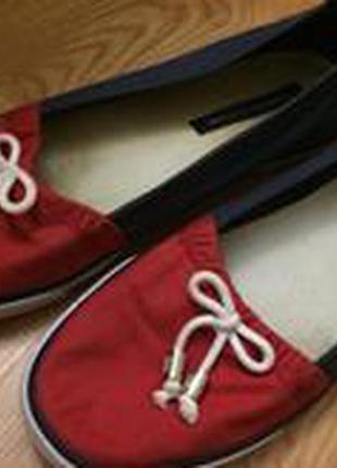 Стильные фирменные туфельки без каблука
