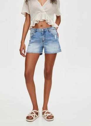 Шорты джинсовые с потертостями pull & bear