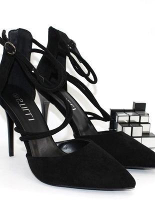 Чёрные туфли с переплётом босоножки замшевые