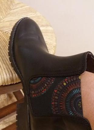 Классные новые черные сапоги полусапожки ботинки desigual (27 см)