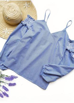Красивая блуза из хлопка с открытыми плечами.
