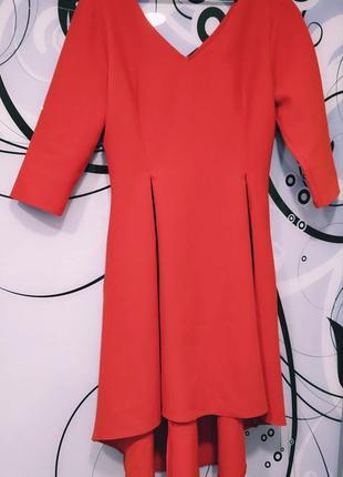 Платье красного цвета 40/l