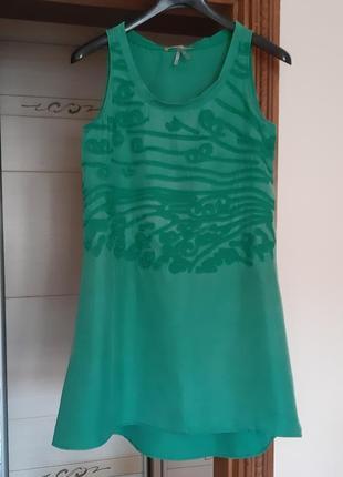 Легкое зеленое платье boss