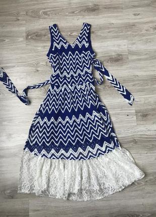 Красивое нарядное платье из кружева. вечернее платье