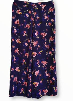 Летние красивые брюки в цветы george