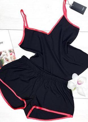 Пижамный комплект майка и шорты.