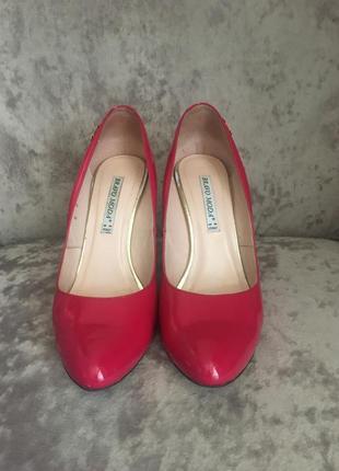 Стильні туфлі трендового кольору !!!💕