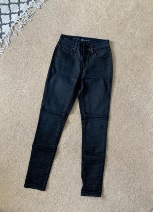 Замечательные новые джинсы с высокой посадкой 🖤