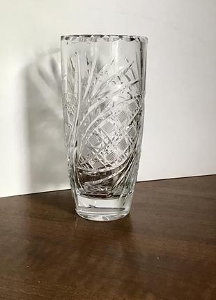 Небольшая хрустальная ваза. дятьковский хрусталь.
