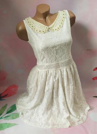 Гипюровое платье с красивым воротником