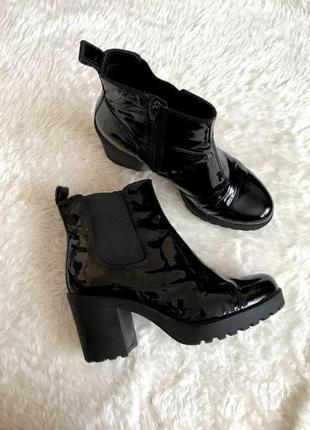 Трендовые ботинки ботильоны челси лаковые😍