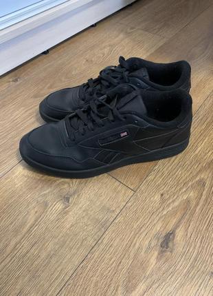 Чоловічі шкіряні кросівки reebok 10,5 usa