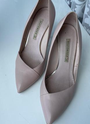 Ніжні туфельки пудрового кольору, розмір 40.