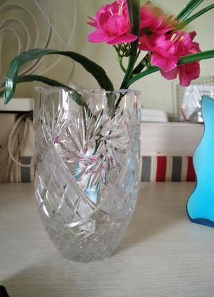 Шикарная ваза из чешского хрусталя