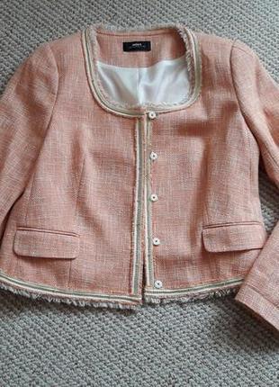 Короткий жакет/пиджак из рогожки с бахромой