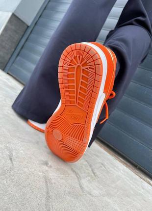 Женские кроссовки nike dunk low orange6 фото