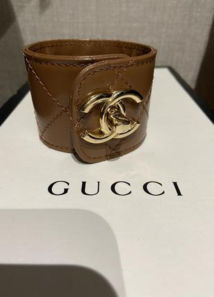 Шикарный брендовый кожаный стёганый браслет chanel.