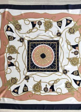 Красивый дорогой платок