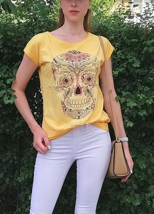 Оригинальная женскся летняя футболка с черепом