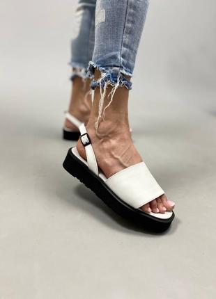 Босоножки шлепанцы натуральная кожа белые сандалии на высокой подошве трендовые
