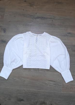 Блуза с объемными рукавами. блузка. топ