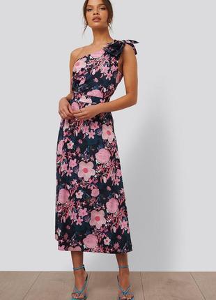 Платье с цветочным принтом na-kd, eu34