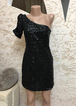 Шикарное платье в паетку