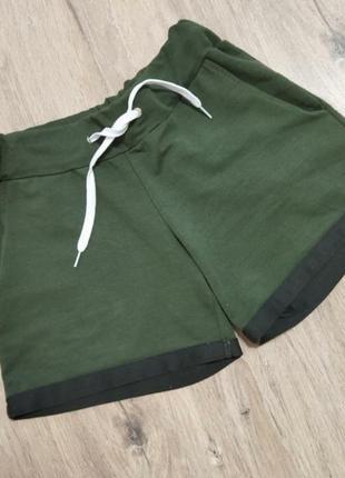 Трикотажные шорты короткие шорты на лето актуальные тканевые шорты свободного кроя