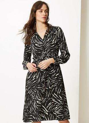 Платье рубашка в принт длины миди