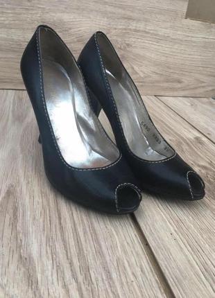 Туфли femblu стильные актуальные zara h&m босоножки