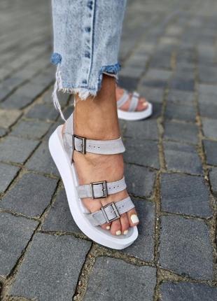 Босоножки сандали замшевые