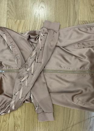 Длинный ромпер, ветровка,пиджак carli bubei missguided коричневый нюдовый цвет s,m