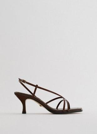 Zara кожаные босоножки с ремешками, вьетнамки, туфли, сандали, мюли
