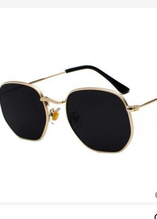 В наличие солнцезащитные очки,унисекс!новая модель 2021 года!
