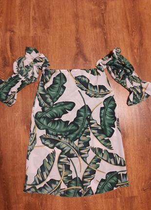 Блузка с открытыми плечами с листьями