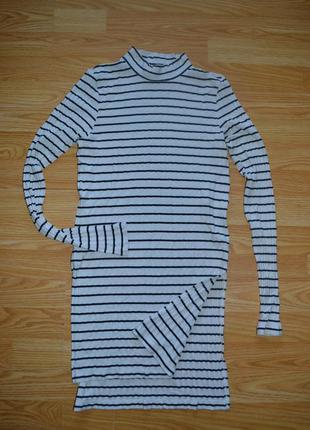 Платье-туника гольф-водолазка в рубчик с разрезом eksept