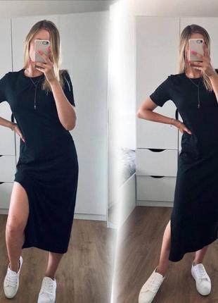 Женское платье с разрезом сбоку1 фото