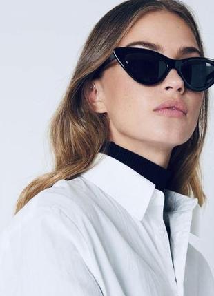 Новые черные солнцезащитные очки в черной оправе с темными стеклами
