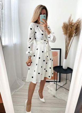 Шикарное платье в крупный горох!