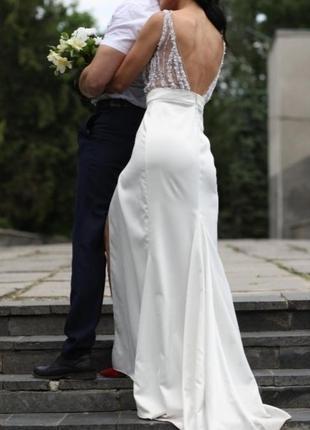 Невероятно красивое белое платье