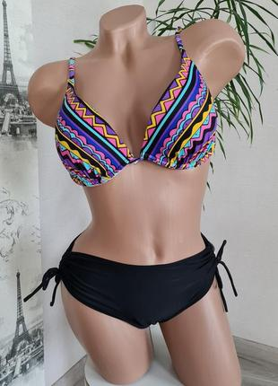 Яркий радужный купальник с ретро плавками бразильянами