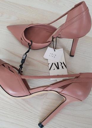 Шикарные, полностью кожаные туфли-лодочки zara германия, 38р. - 24,5-25см.