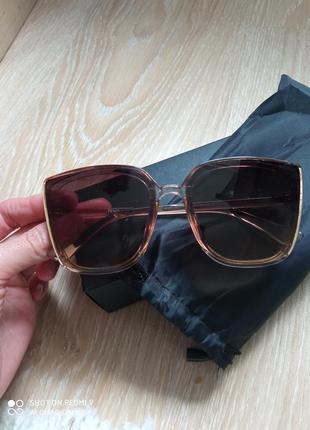 Очень красивые солнцезащитные очки