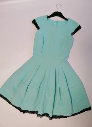 Ніжне плаття м'ятного кольору, розмір s
